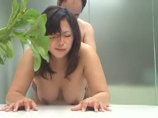 芸能界志望のポチャ妻が、いち早くデビューするために渋々身体を許す