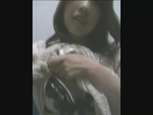 【オナニー】陥没乳首フェチ必見。セクシー美女2人が携帯電話で自画撮りオナニー |